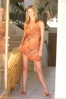 Naughty Girl - sexygirl-brooke1_2-767798.jpg