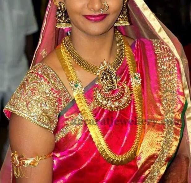 Bride in Dull Finish Nakshi Jewelry