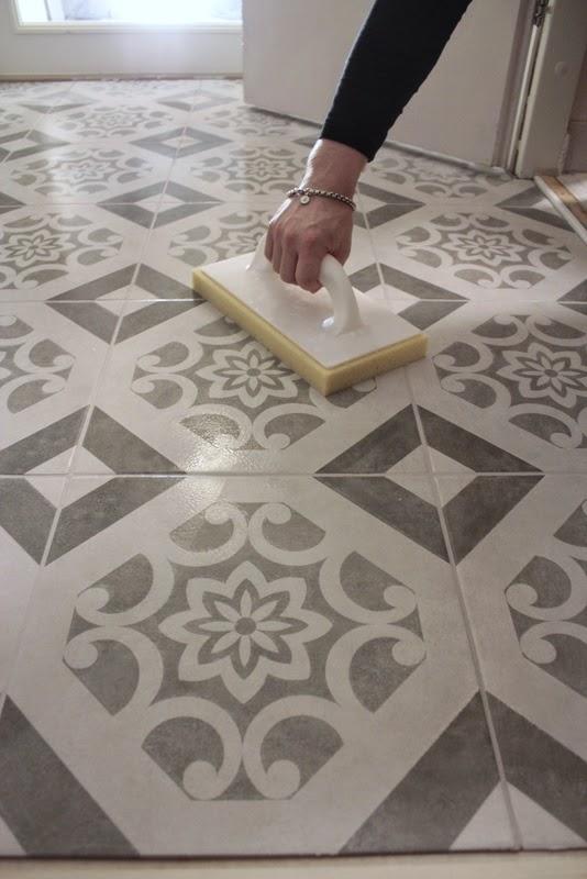 Home Vanilla Eteisen lattia ennen ja jälkeen