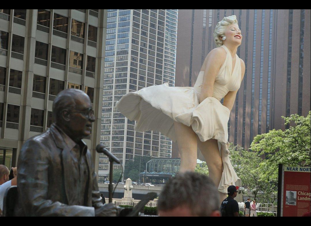 http://2.bp.blogspot.com/-rVAh3tgiefA/TsDMzvkZHKI/AAAAAAAAIAs/u-z7bwsms2I/s1600/Marilyn+Monroe+Statue+%252817%2529.jpg