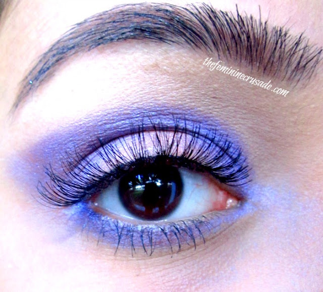 Picture of Eye Look with Annika Maya Shimmer Powder in Iris