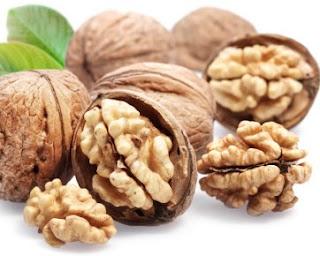 Fakta Tentang Khasiat Kacang Kenari untuk Kesehatan