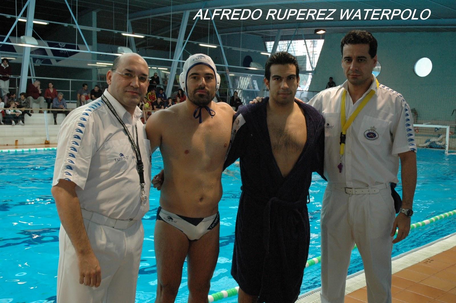 Alfredo ruperez waterpolo enero 2012 for Piscina julio navarro