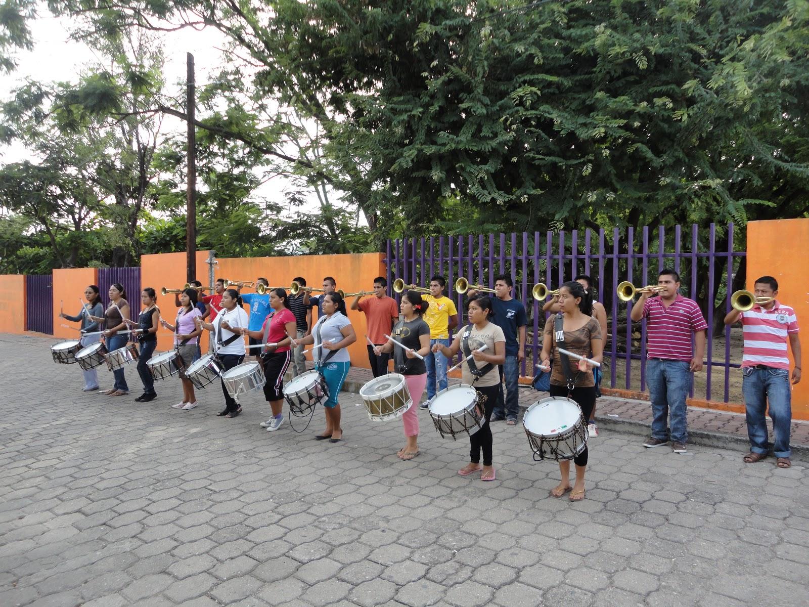 Federaci n nacional de estudiantes revolucionarios rafael for Concurso para maestros
