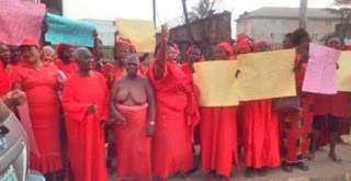 Edo women protests half nude against Oshiomhole's move to probe Igbinedion