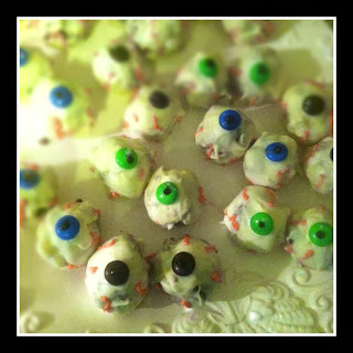 edible eyeballs, Halloween dessert, Halloween treat