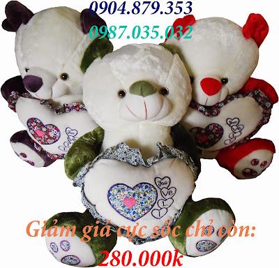 Gấu ôm tim hoa nhồi bông
