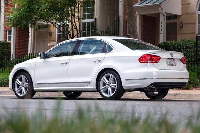 2015 New Volkswagen Passat Limited edition back view
