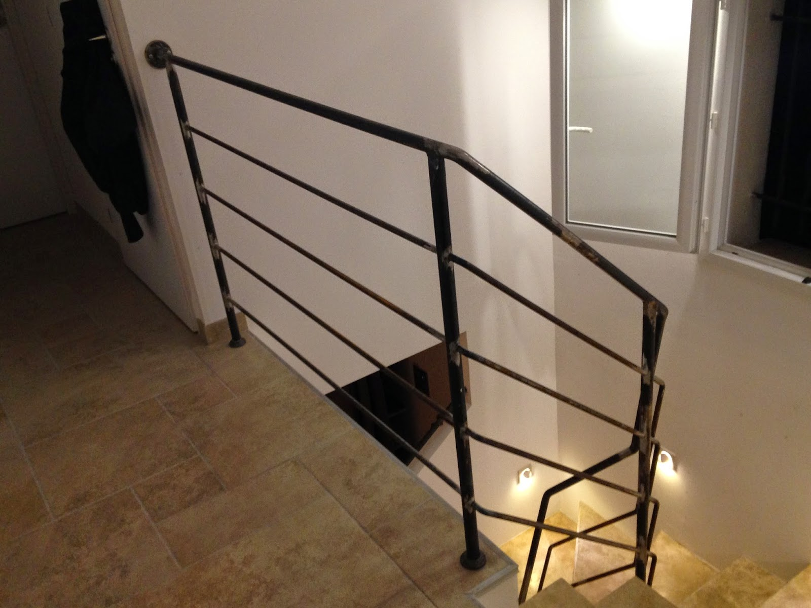 L 39 art de fer creation rampe descalier et main courante fer forg styl - Main courante escalier originale ...