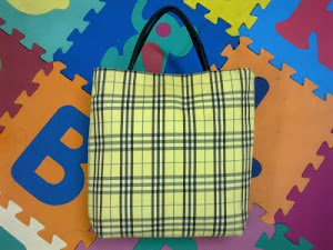 Burberry Classic Nova Check Canvas Tote Bag(SOLD)