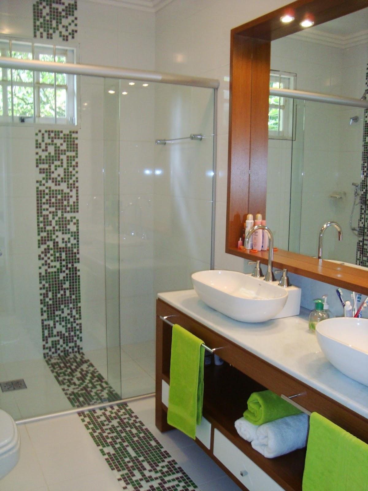 banheiros pastilhas de vidro decora o de banheiros pequenos #6D4023 1200 1600
