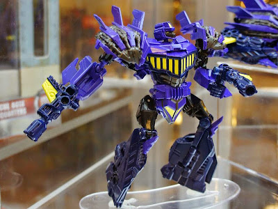 Blast Off Transformers Generations Bruticus BOTCON 2012