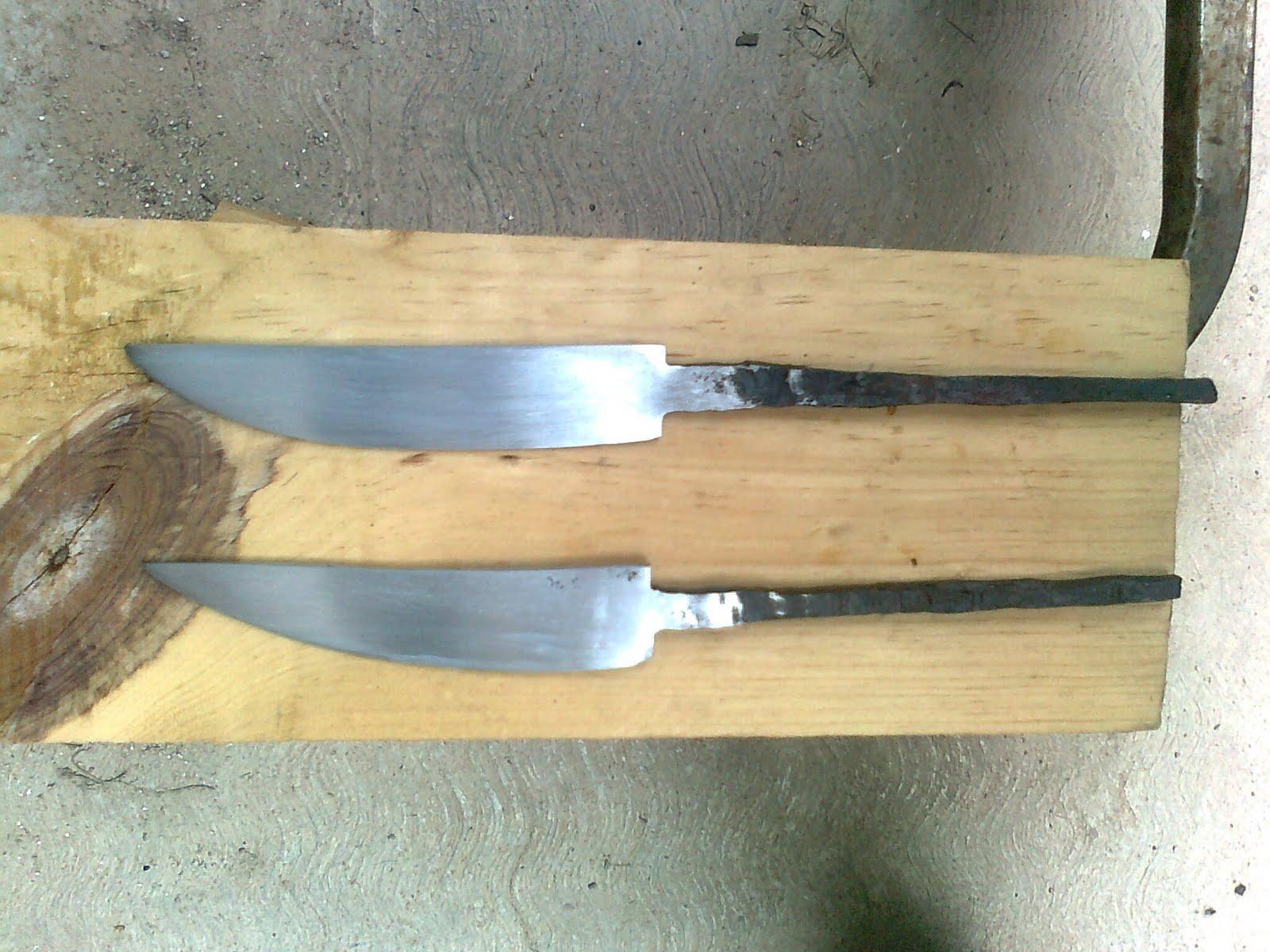El intento de armeria cuchillitos medievales for Como pulir un cuchillo