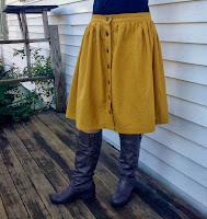 http://sewrachel.blogspot.com/2013/09/a-yellow-linen-picnic-blanket-skirt.html
