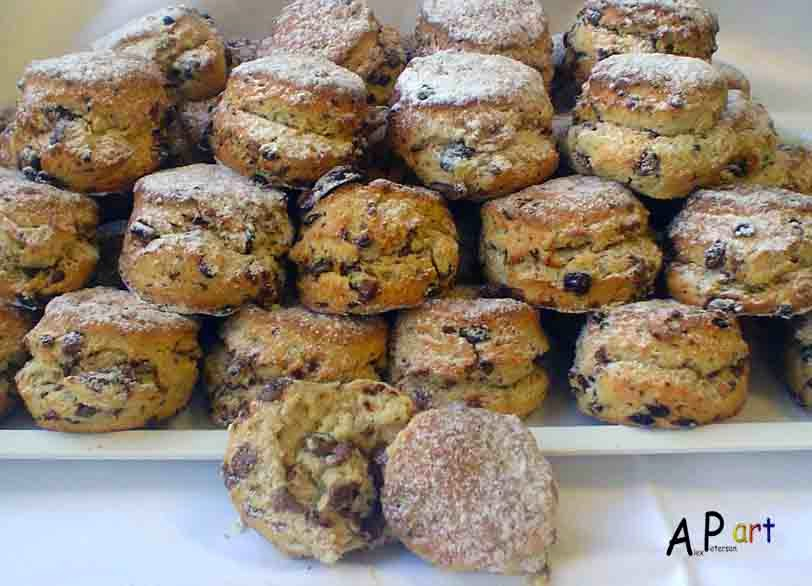 ... the Contemporary Culinarian: Milk Chocolate, Walnut and Currant Scones