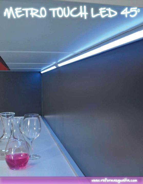 METRO TOUCH, regleta LED para cocina con sensor táctil ~ Reformas Guaita