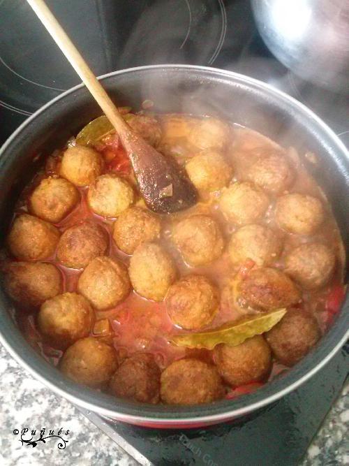 albódigas, chile, chipotle, salsa, vino, cominos, receta, recetas caseras, carne picada, carne,