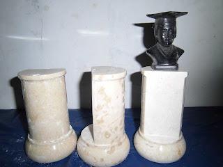 """<img src=""""trophy Wisuda.jpg"""" alt=""""trophy Wisuda marmer tulungagung"""">"""