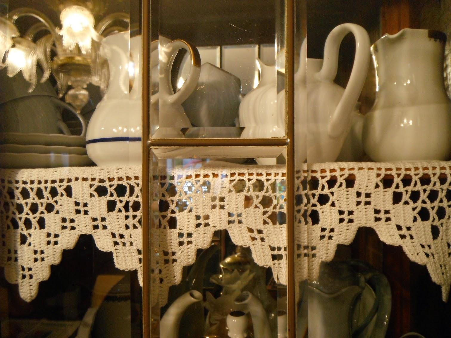 La Credenza Francese : Credenza antica a cappuccina provenzale francese in massello di