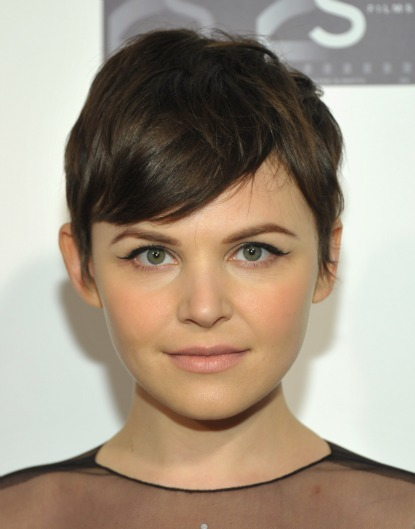 Photo Short To Medium Hairstyles For Thick Hair Summer Ideas Of 17 Best