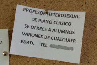 PROFESOR HETEROSEXUAL DE PIANO CLÁSICO SE OFRECE A ALUMNOS VARONES DE CUALQUIER EDAD