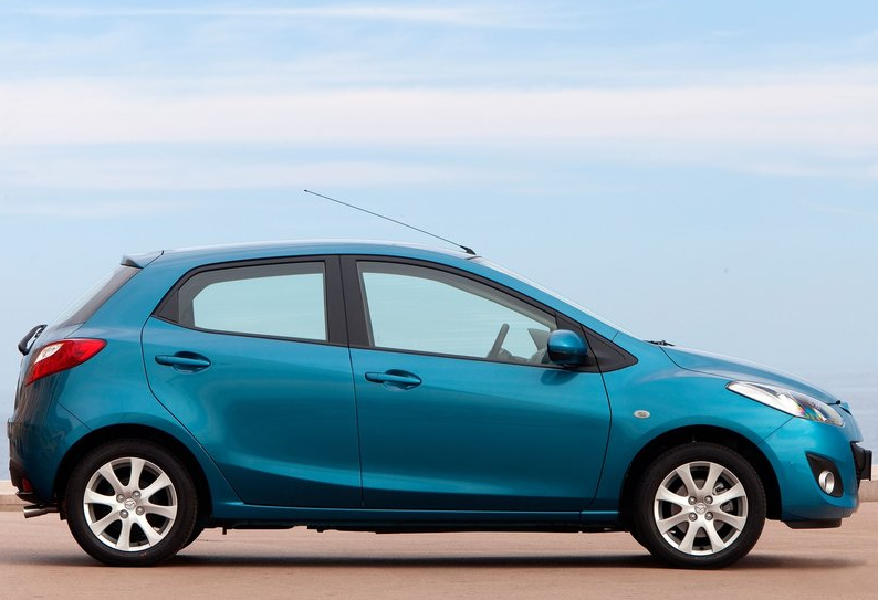 poll honda fit vs mazda2 which and why. Black Bedroom Furniture Sets. Home Design Ideas