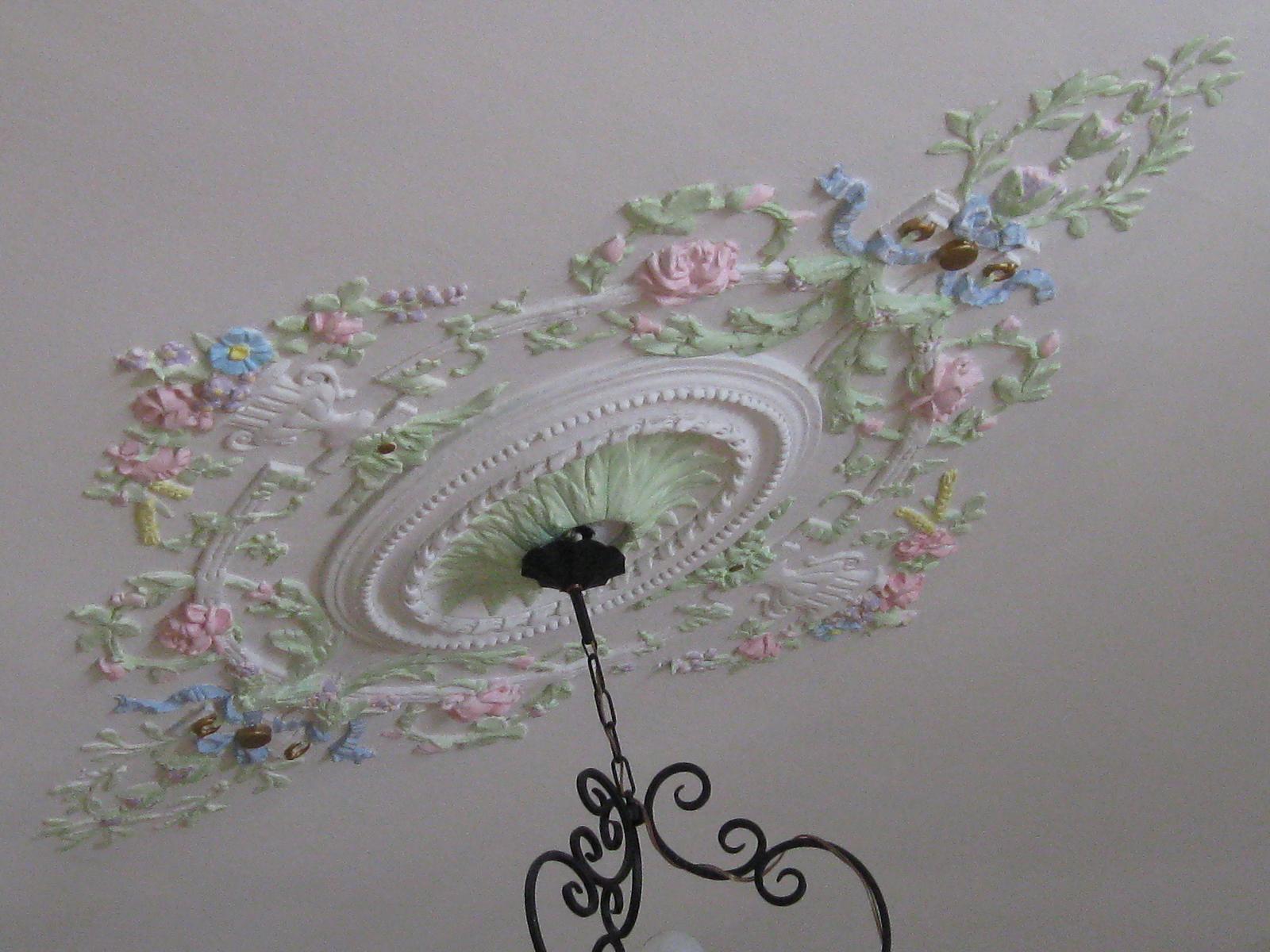 Rosaces activit s de francette for Rosace plafond platre