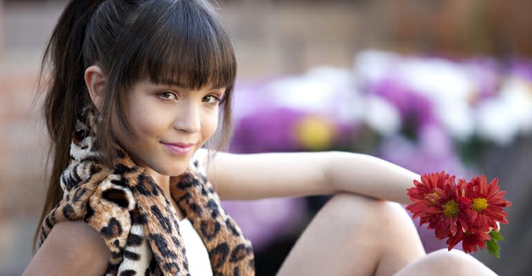Aos 11 anos de idade, Larissa Manoela é atriz, cantora, modelo, faz  dublagens, participações vips em eventos... e já está bem acostumada com a  rotina ... 5468286efe