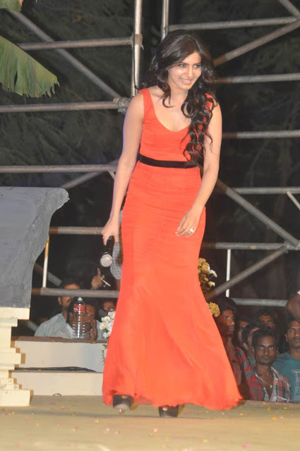 samantha at Seethamma Vaakitlo Sirimalle Chettu Audio Launch Gallery