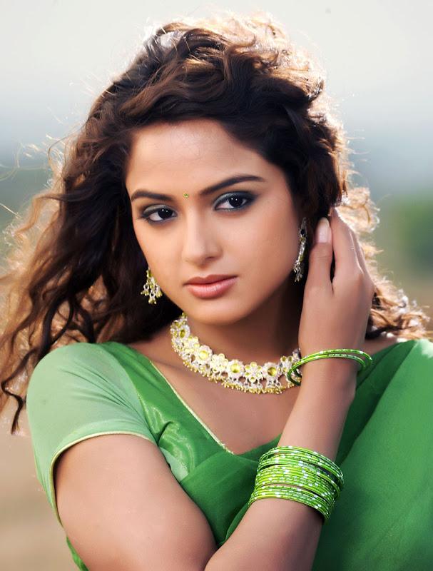 Actress Asmita Sood Stills Gallery glamour images