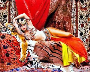 Marilyn Monroe emulando a Theda Bara