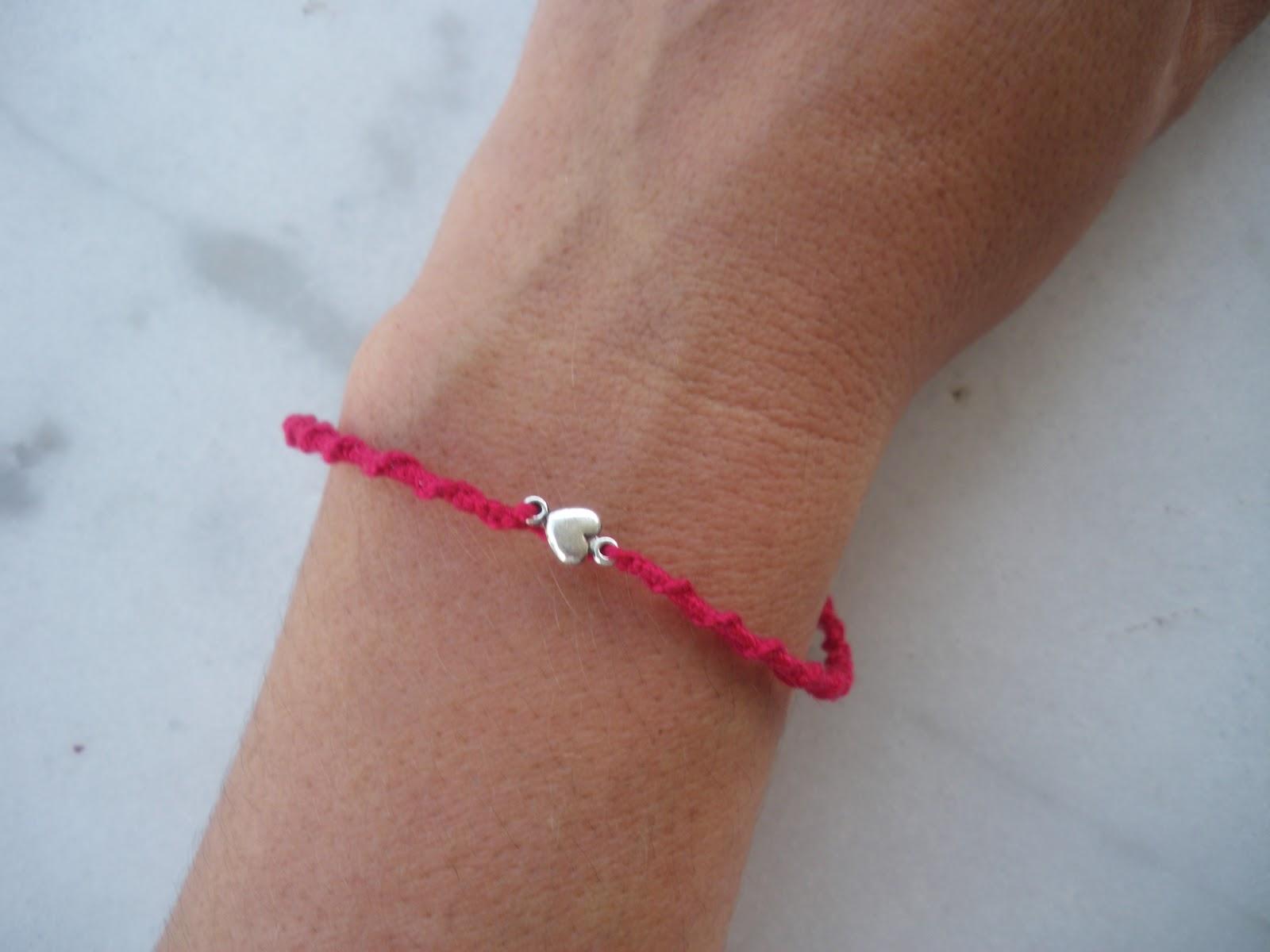 Le \u0026quot;petit bracelet rouge\u0026quot; Un symbole, une valeur.