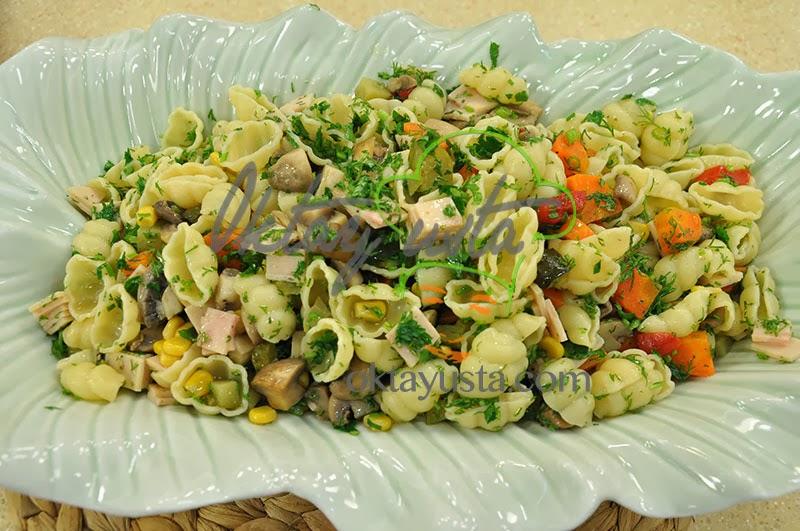 Mantarlı Makarna Salatası Tarifi