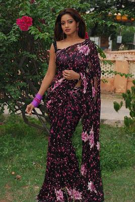 uday bhanu in saree tv anchor actress pics
