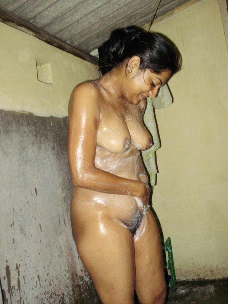 Mallu aunty in bathroom