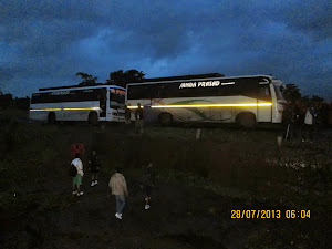 2 Buses  carting 90 trekkers at Khandas Village base.