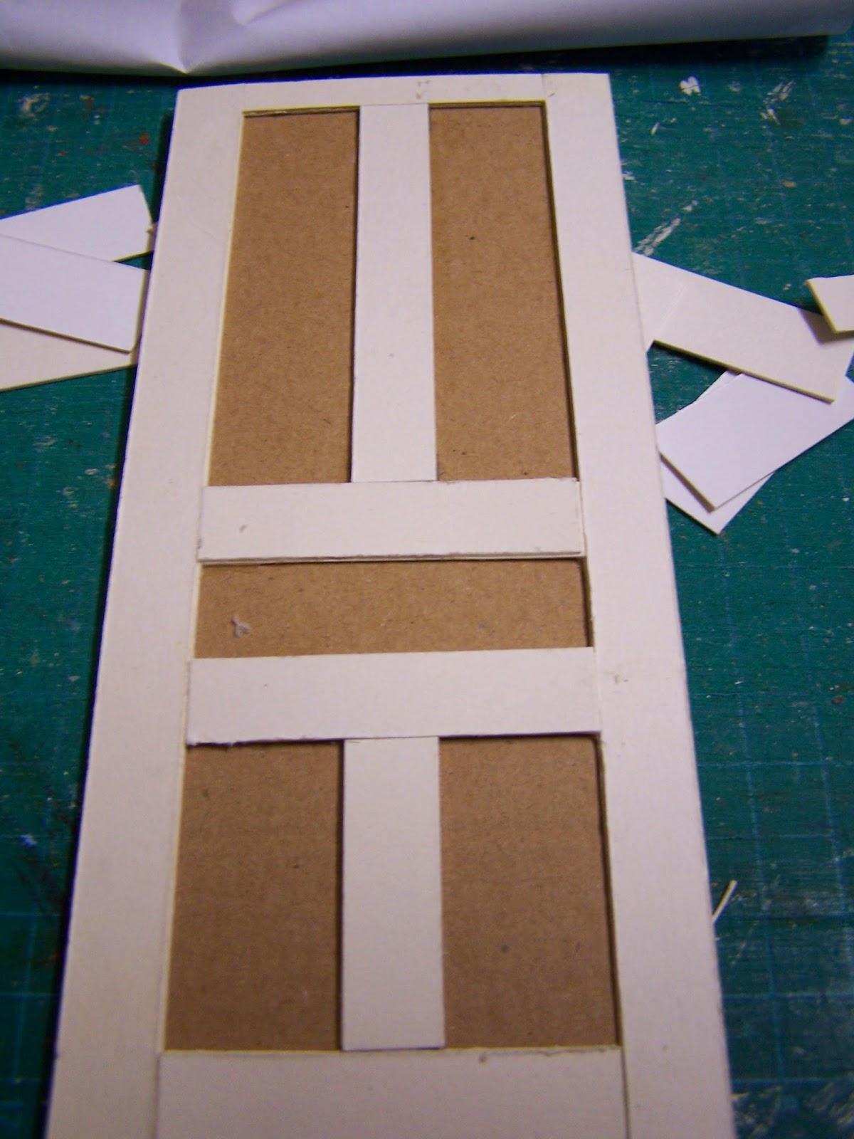 Miniaturas y casas de mu ecas puerta reciclada for Como hacer una puerta de madera