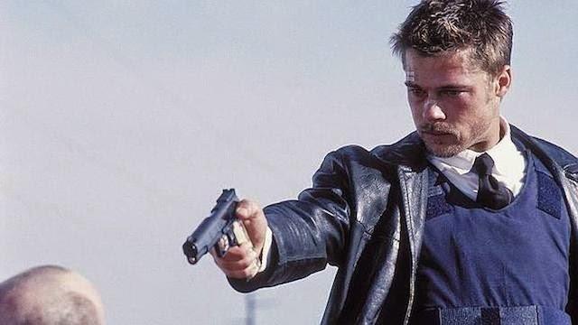Brad Pitt confiesa que lleva pistola desde los seis años