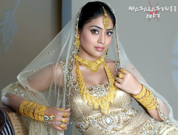 Romance Tips, Videos, Secrets: Actress Shriya Saran Hot and Romantic