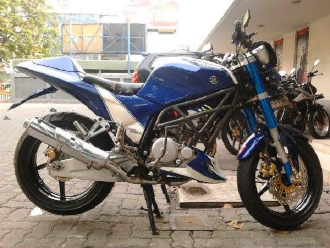 Yamaha Scorpio 225 Modifikasi Ala Ducati StreetFighter title=