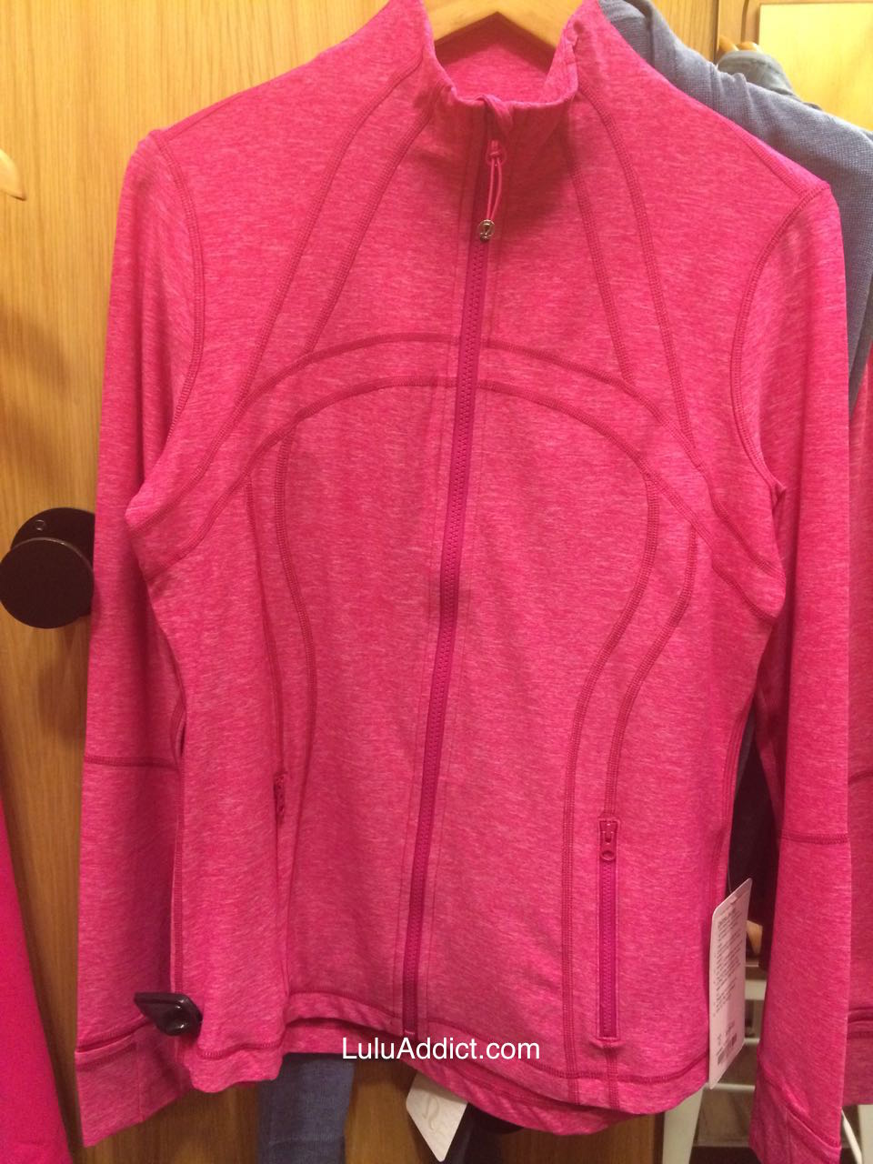 lululemon-jeweled-magenta-define