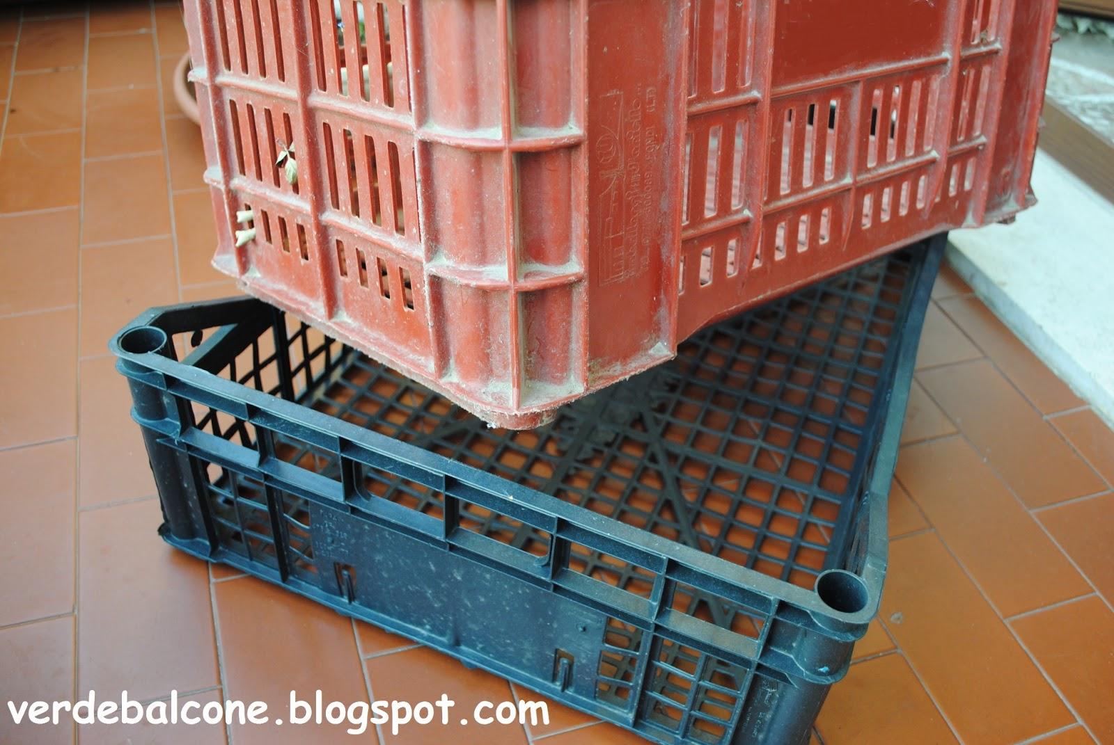 Verde balcone.: Contenitori alternativi per l\'orto sul balcone.