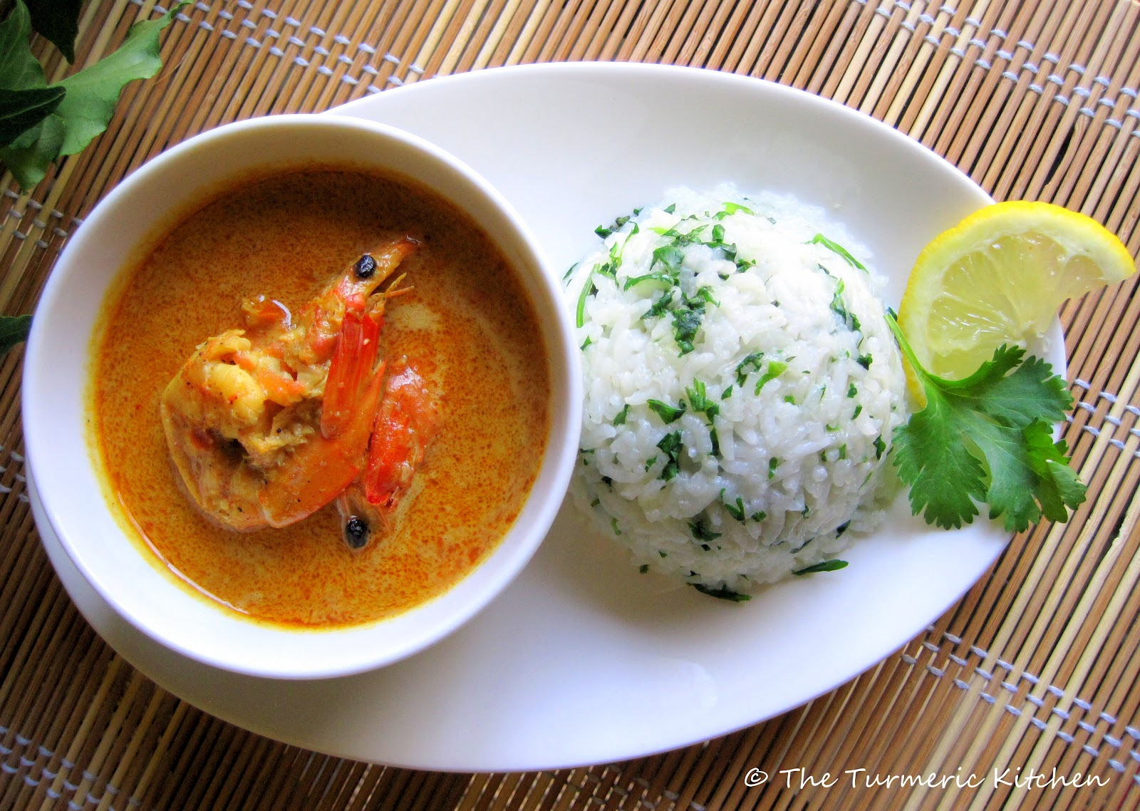 Shrimp in spicy coconut gravy