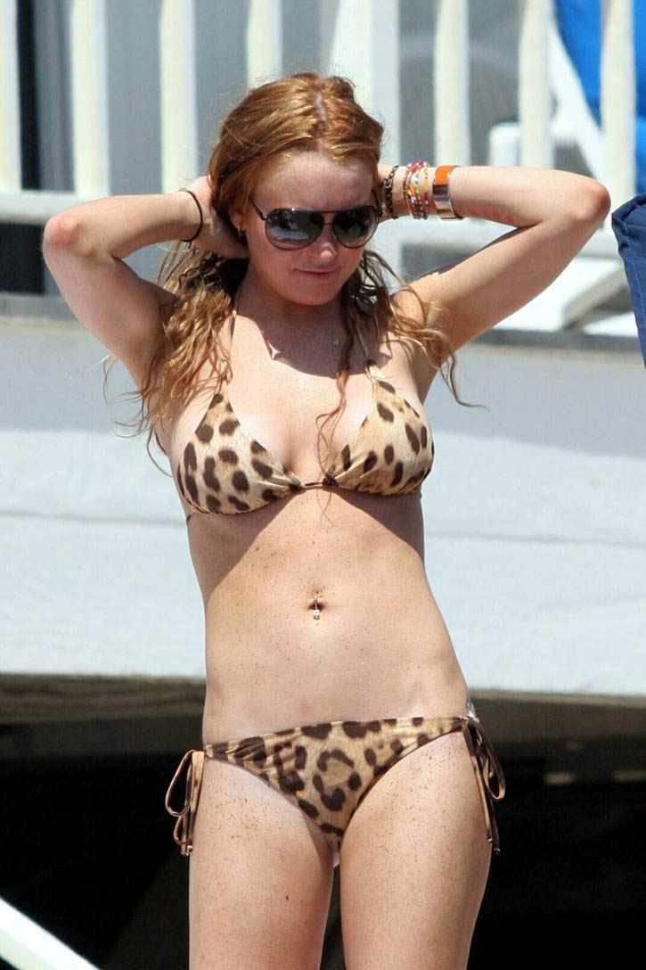 Lindsay Lohan Bikini Photos - Hollywood Celebrities