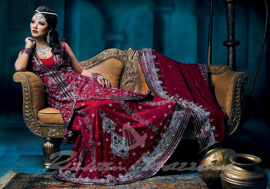 Pakistani bridal mostly wear lehenga as bridal dress in old times