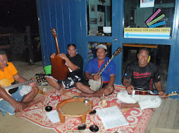 String band with Kava to drink
