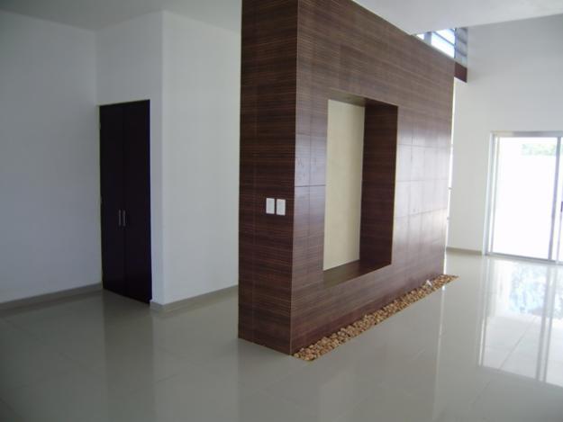 Limitar espacios con muros minimalistas