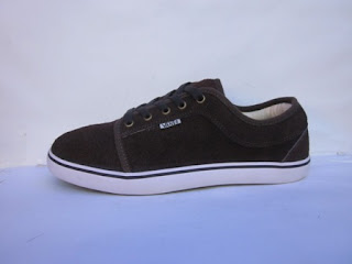 Sepatu Chukka Murah Hitam Sol Putih