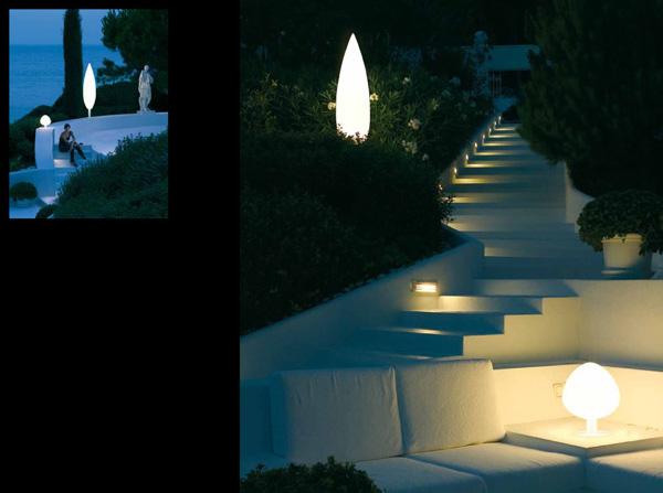 """Esta colección, llamada """"Tree"""" (árbol en español), ilumina los caminos y el paisaje de una forma espectacular, con luces con la forma de pequeñas coníferas."""