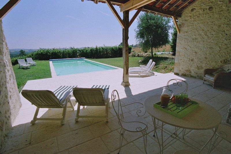 Reflexiones del andrews casa de verano con piscina de for Casas de alquiler de verano con piscina